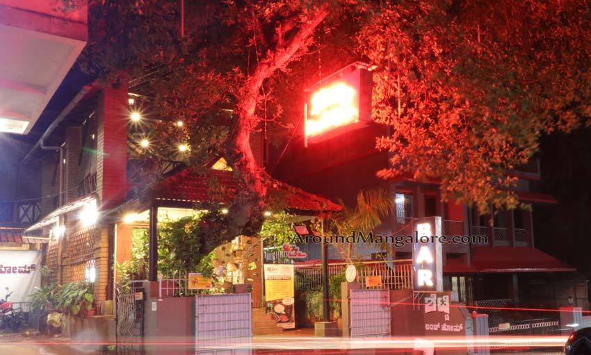 Shetty Lunch Home / Anupam Bar / Infiniti Lounge Bar – Hampankatta