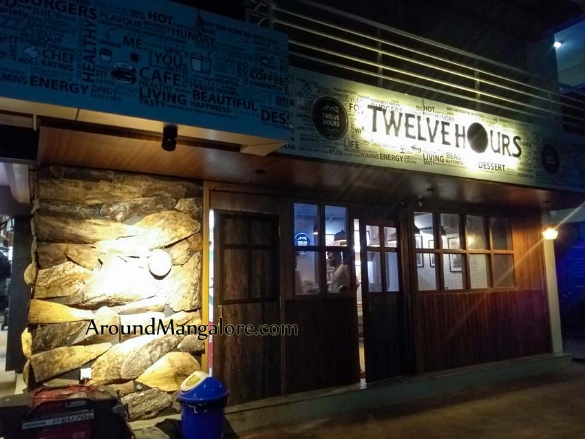 Twelve Hours Cafe – Derlakatte
