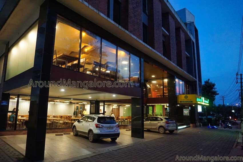Shri Shankara Bhavana - Pure Vegetarian Restaurant - Yeyyadi, Mangalore